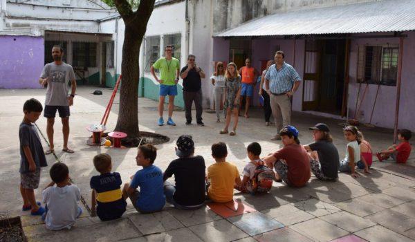Mariano Barroso en Pibelandia donde funciona una de las Escuelas de Verano