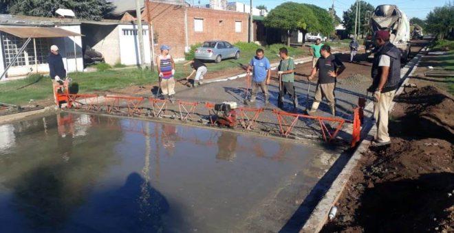 Obras de pavimento en Barrio Los Abuelo sobre calle Granada