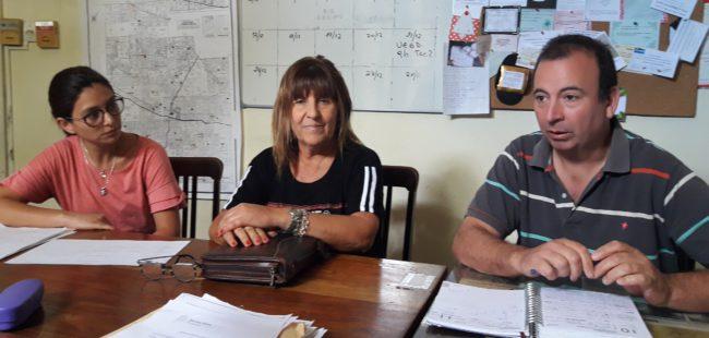 Roberto Asenjo junto a las consejeras Ana Gargano y Cintia Tello