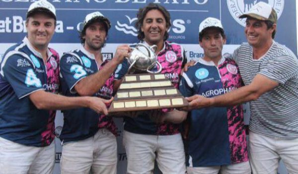 Tapia se consagro campeon argentino de Pato con el equipo Las Heras