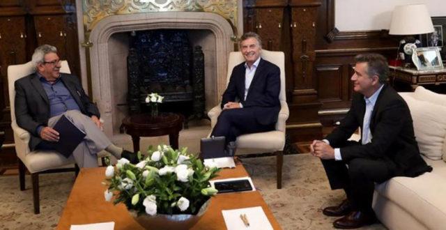 Ayala y Macri en un tramo de la reunion de la que participo el Secretario de Agro Industria – foto Casa Rosada