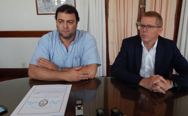 Barroso y Curuchet en dialogo con periodistas locales