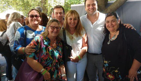 Mariano Barroso junto a la Inspectora Jefe distrital y directivos de la eduacion nuevejuliense