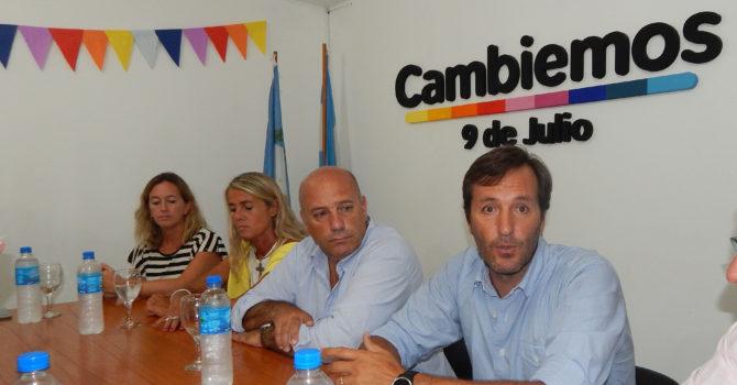 Rodrigo Esponda durante el dialogo con la prensa local
