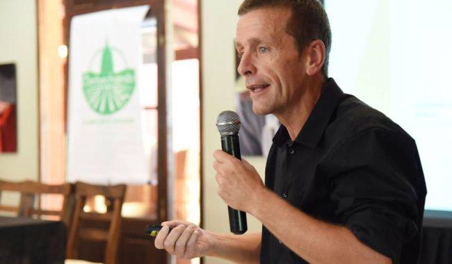 Alvaro Tomas presidente de Fundacion Barbechando