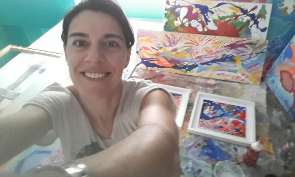 Ana Tello, artista plastica que hoy expone en el MACC