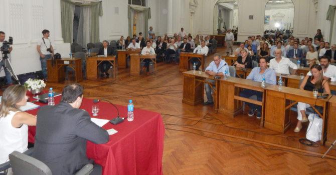 Aspecto de la Sesion del HCD, donde el Intendente Barroso se dirigio a los concejales, funcionarios y vecinos