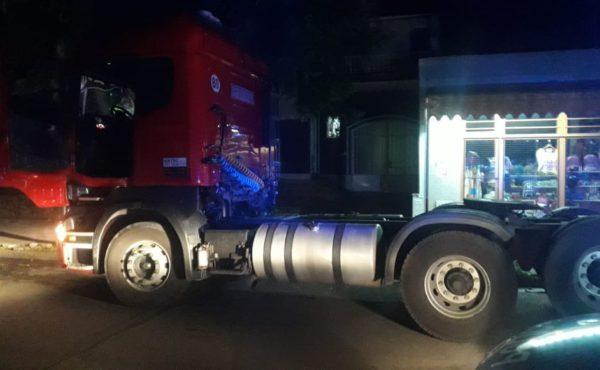 El tractor que fue demorado en la ciudad de Pergamino por policia de esa ciudad que colaboro en la causa