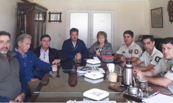 Integrantes de Rural de Junin, junto a los Comisarios Almidon, Sagardoy y Mendez