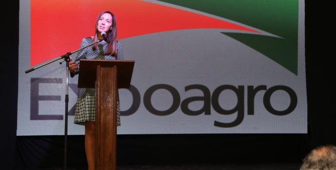 Maria Eugenia Vidal dejo su mensaje al empresariado de la agro industria en San Nicolas