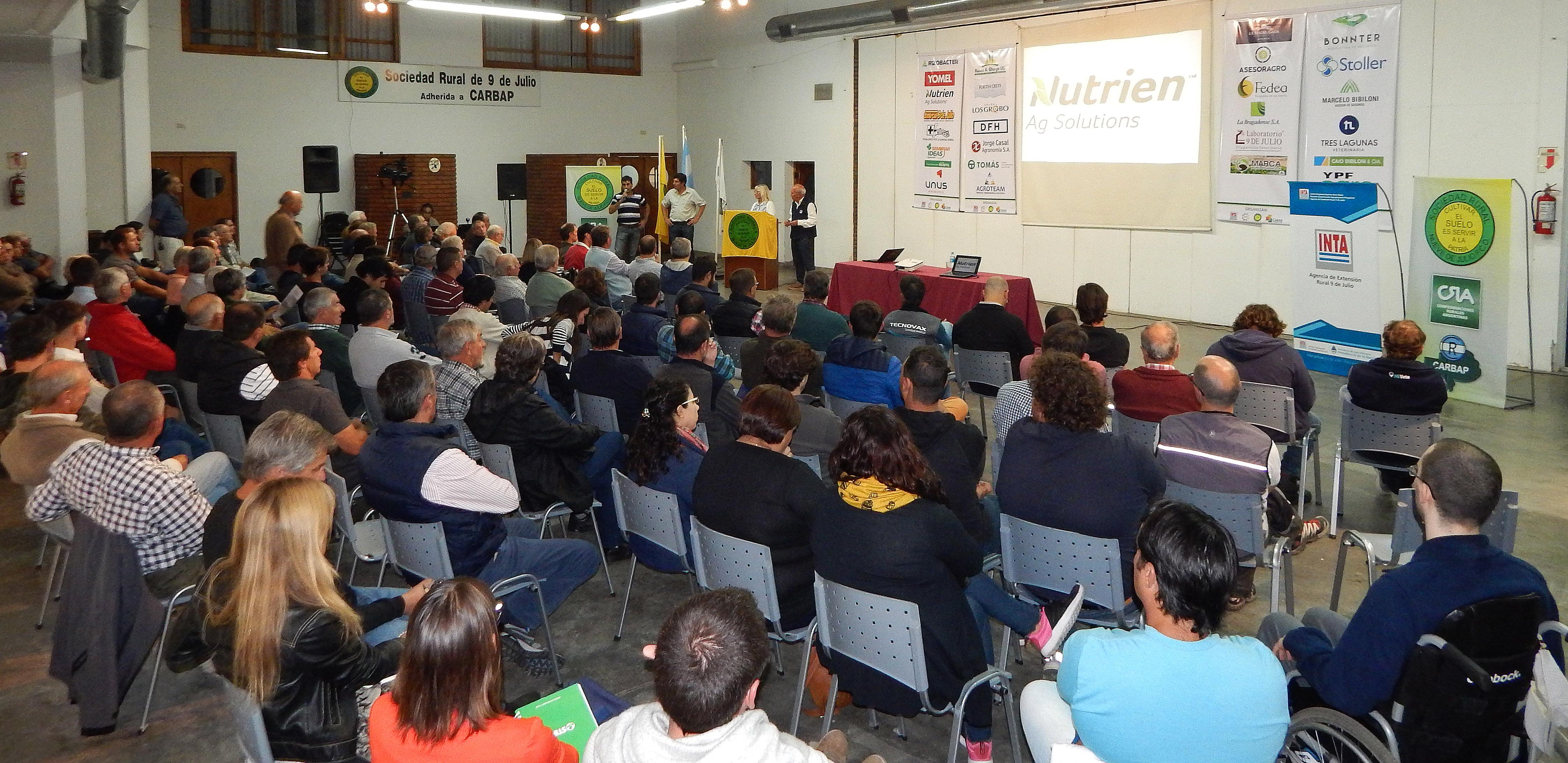 Ciclo de Charlas en La Rural: Ganarle a las malezas siendo eficiente, es el desafío para la próxima campaña