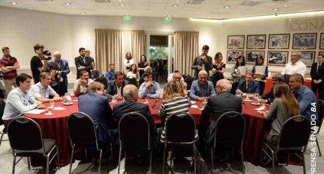 Reunion que se realizo en el Senado bonaerense y de la que participo Paolo Barbier