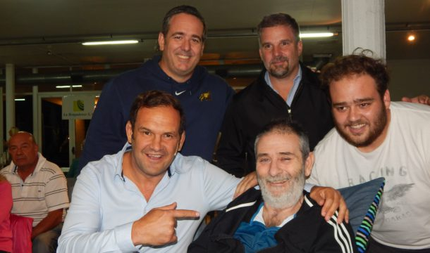 Segonds junto a Marcelo Librandi, su hijo e integrantes del Rugby local
