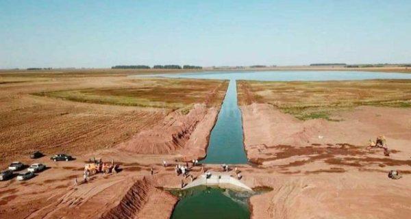 Canal que construyo Santa Fe desde la Picasa