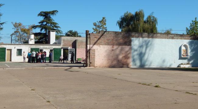 El Playon Municipal sufriria el derribo de dos paredes que se oponen desde El Tejo