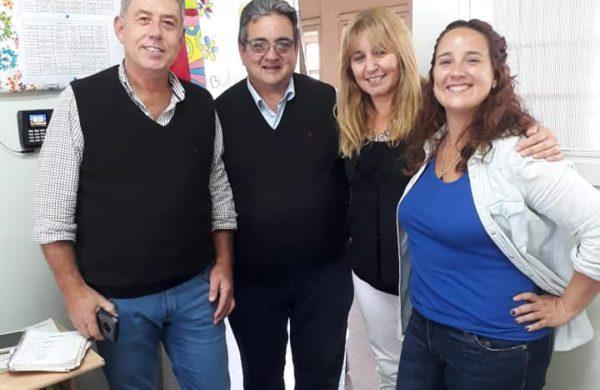 Galarreta junto a la Inspectora de la Region 15 y Juan Jose Gutierrez en la Otto Krause