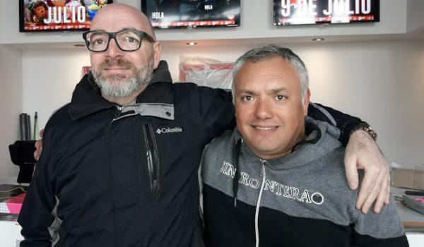 Dimarco junto Guillermo Aranda responsable del funcionamiento de Tu Cine en 9 de Julio