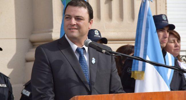 Mariano Barroso encabezo el acto del 25 de mayo