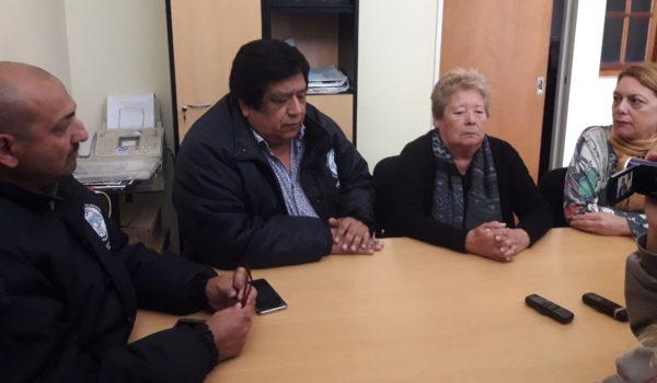 Marta Toledo y Alfredo Villapuerta junto a otros dirigentes gremiales