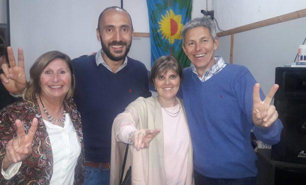 Mauro Esteban junto al Secretario de la UB, Alberto Capriroli, Viviana Beltran y la consejera escolar Griselda Berardo luego de conocerse la desicion de la UB