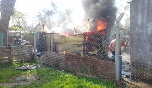 El fuego destruyo la vivienda