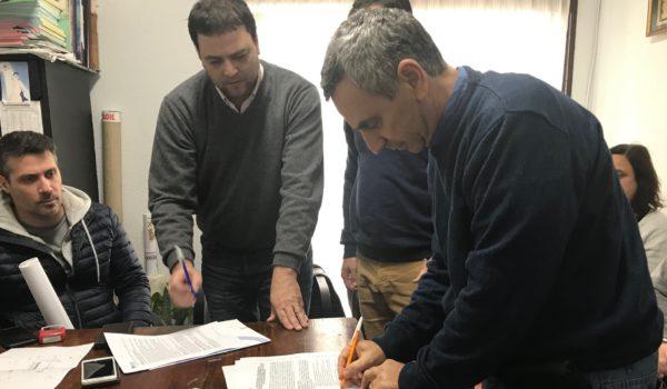 Barroso junto a integrantes de BAGSA y de la Cooperativa al momento de firma del convenio