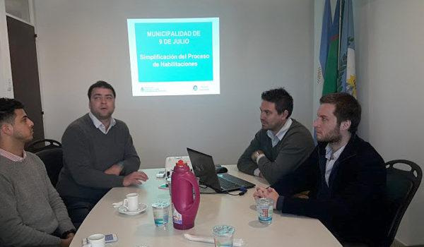 Barroso y Seijo al equipo tecnico de Ministerio que visito 9 de Julio