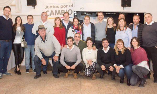 Barroso y Vivani junto a pre candidatos de Juntos por el Cambio en Chivilcoy – foto Cuarto Politico