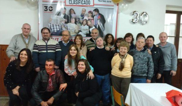 Integrantes de Aviso Clasificado la obra teatral que propone Caritas 9 de Julio