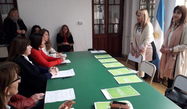 Maria Lujan Bouzon y Susana Crespi presidieron el acto de posesion de titulo de cinco inspectores en region 15