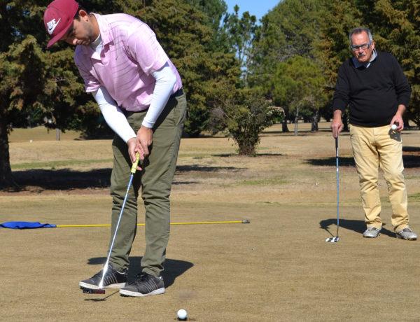 Pugnale y Trofimovih en uno de los links del Golf Club