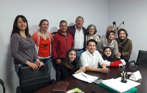 Alumnos de la Cooperadora, directivos e integrantes de la CEyS