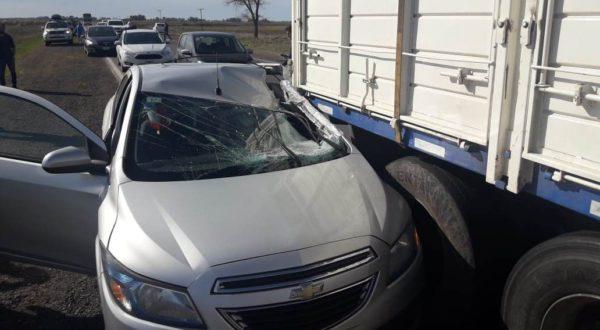 Automovil Prisma que colisiono en el Km 283