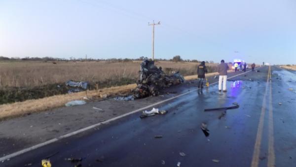 El vehiculo menor quedo destruido – foto diario victoria