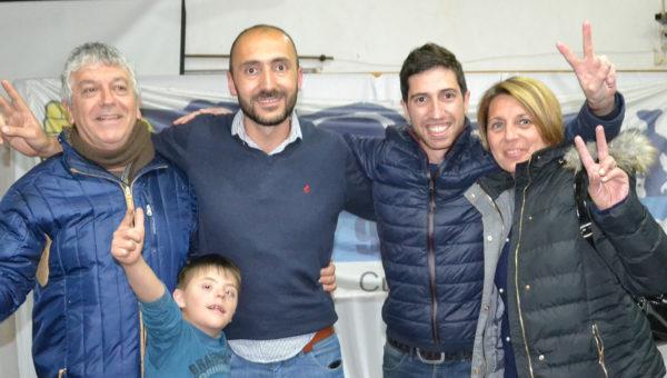 Juan Pablo Parise y Pupi Rossi saludaron a Esteban por el triunfo