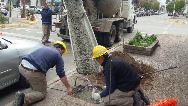 Obras de nuevas luminarias en el centro de la ciudad