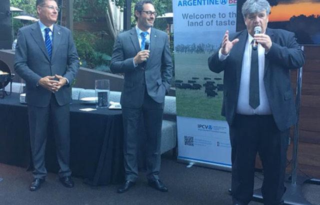 Ulises Forte presidente del IPCVA durante su presentacion en el pais del norte