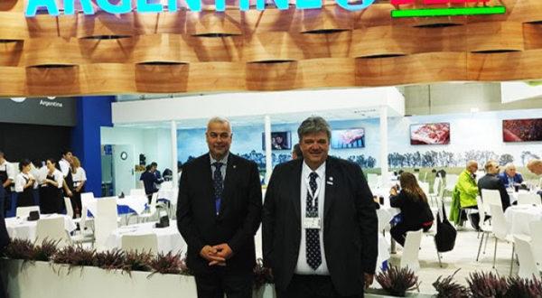 Forte y Torelli en el stand de IPCVA en Anuga