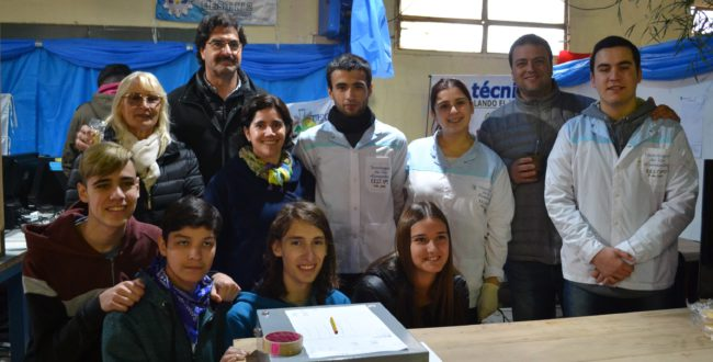 Sarquis junto a Vadillo, Barroso y alumnos de la Tecnica 2
