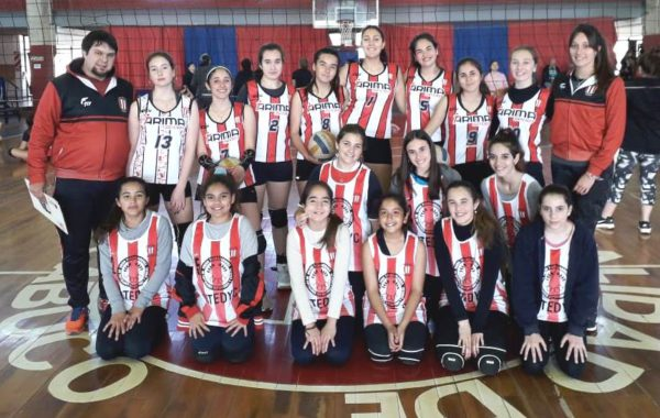 Sub 17 y Mini Voley del Club Atletico 9 de Julio