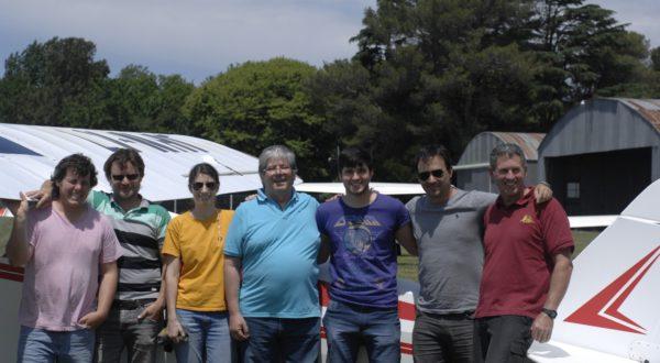 Nuevos pilotos, instructores y el Inspector del ANAC