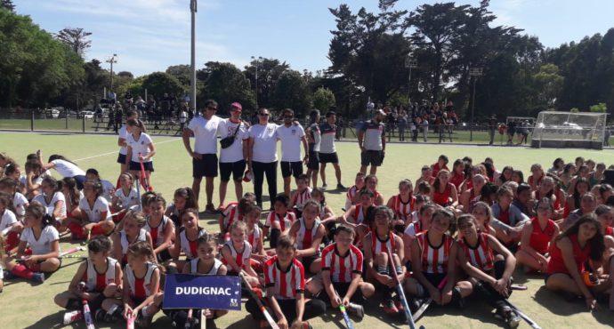 Contingente del Hockey de Dudignac que participo de un torneo provincial en Mar del Plata en diciembre del 2019