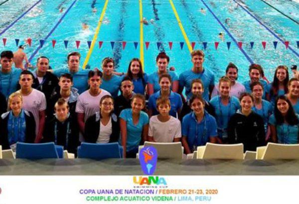 Delegación argentina de natacion que integro Theo Gonzalo