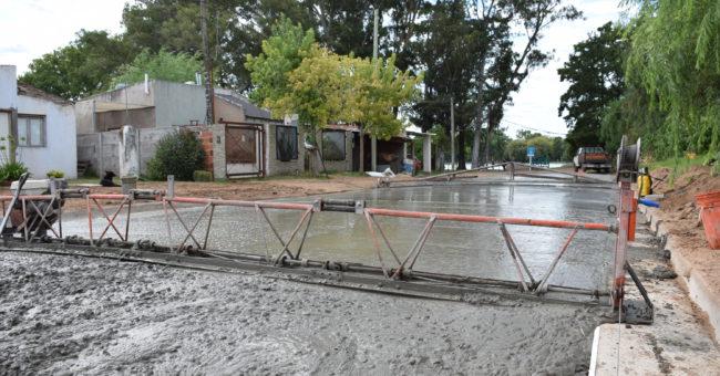 Pavimento sobre una calle que conecta con Parque Gral San Martin