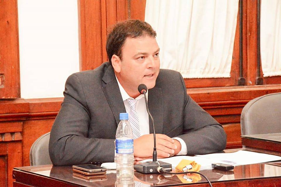 El Intendente Barroso anuncio la reducción de su sueldo