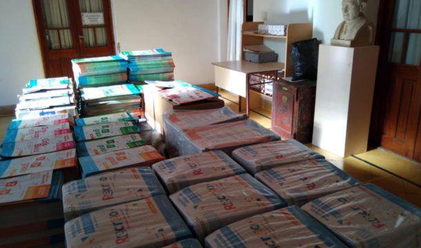Cuadernillos que llegaron y se estan distribuyendo a unos 1000 alumnos del distrito
