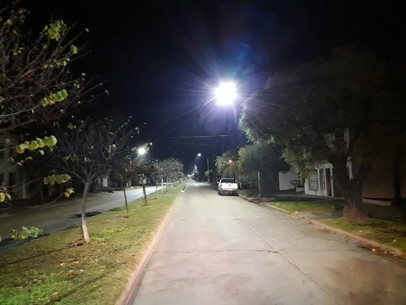 Vecinos celebran el nuevo sistema de iluminación en la ciudad
