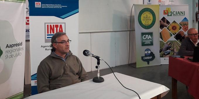Fernando Mato durante la apertura de la charla