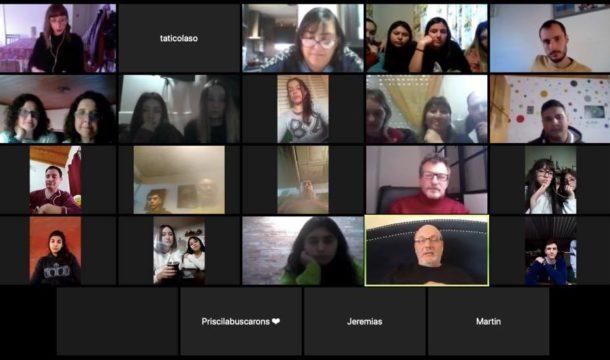 Captura de pantalla de la conferencia via Zoom entre alumnos, profesores y el propio Juan Jose Campanella