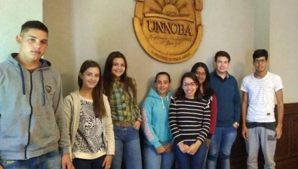 Hijos de trabajadores rurales que asisten a la UNNOBA